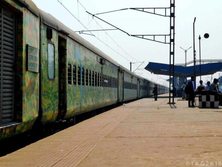 India Tv - New Delhi-Howrah Duronto Express