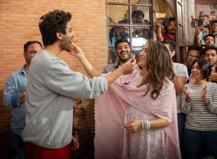 Sara Ali Khan shares adorable moments with Kartik Aaryan as she wrap up Love Aaj Kal 2