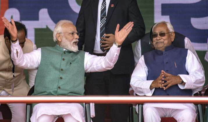 India Tv - PM Modi, Nitish Kumar share stage at Patna rally