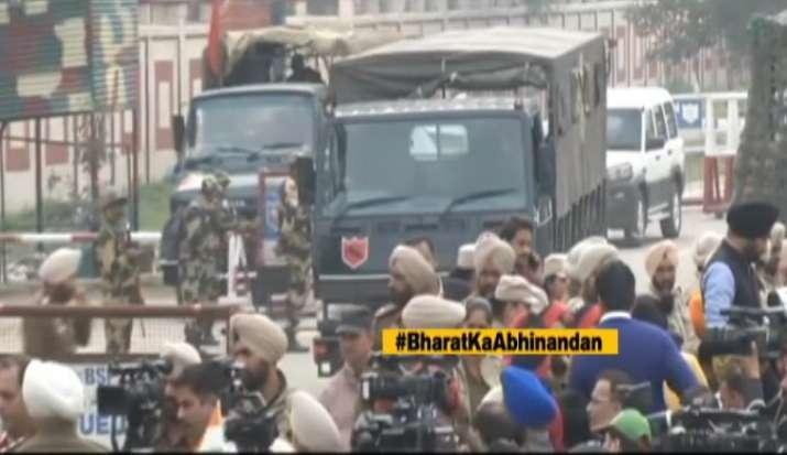 IAF Wing Commander Abhinandan leaves for Wagah Border