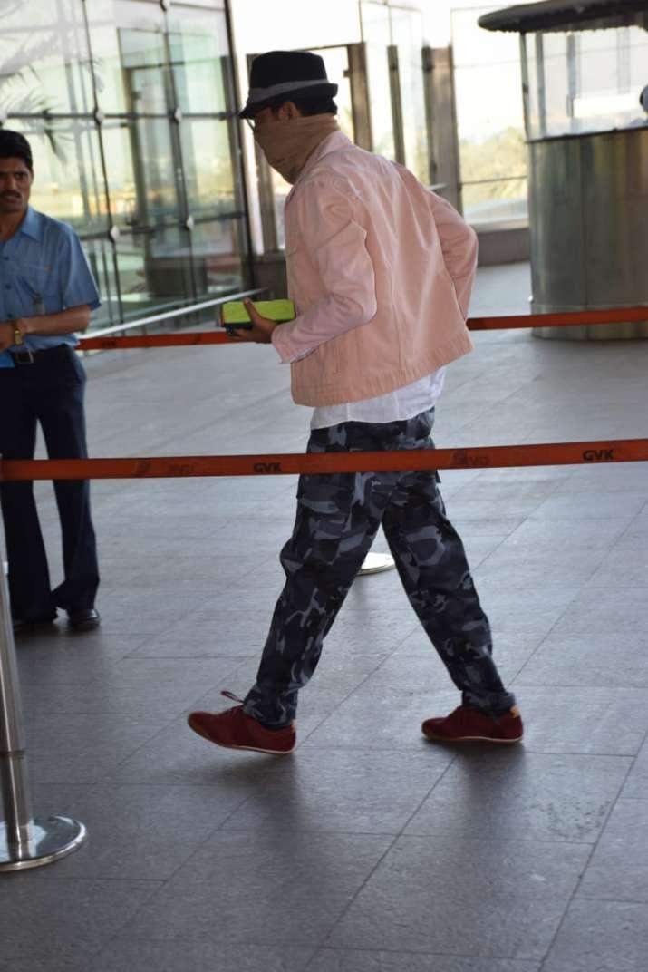 India Tv - Irrfan Khan at Mumbai airport