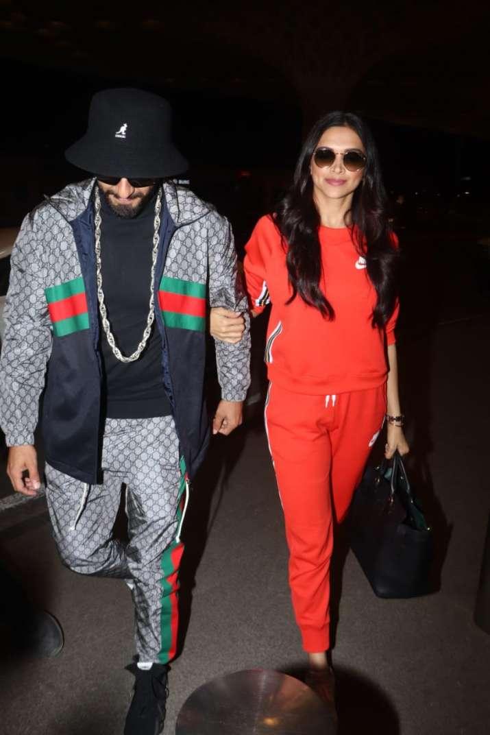 India Tv - Deepika Padukone, Ranveer Singh at Mumbai airport