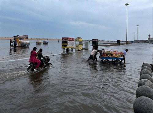 Low pressure over Bay of Bengal likely to bring rains to