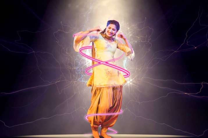 India Tv - Sapna Choudhary is all set to rock the floor with Daler Mehndi in a new song.
