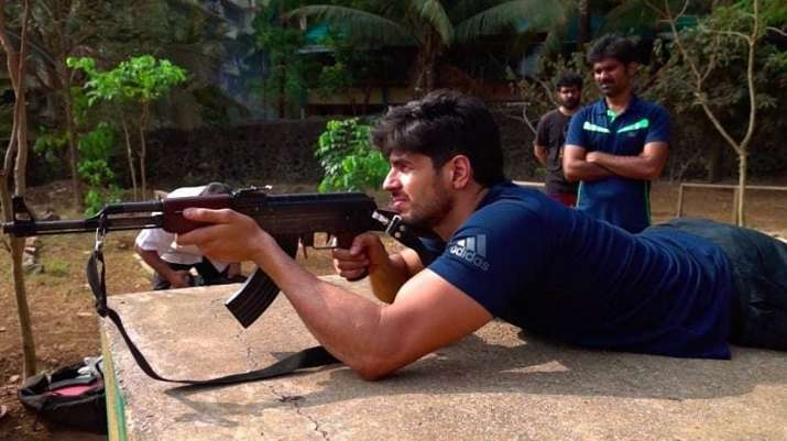 Sidharth Malhotra all set for 'Kargil's Sher Shah', a Vikram Batra Biopic: Begins military training