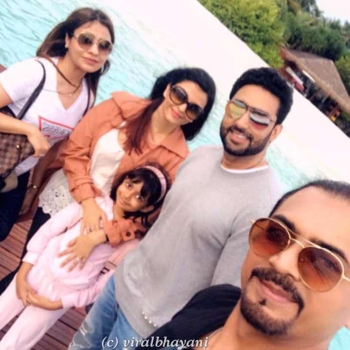 India Tv - Aishwarya Rai, Abhishek Bachchan and Aaradhya in Maldives