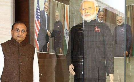 Diamond merchant who bought PM Modi's suit duped of Rs 1