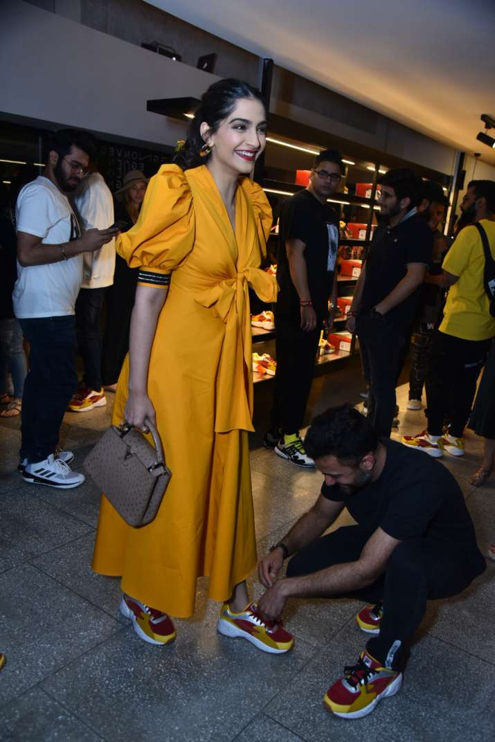 India Tv - Sonam Kapoor and Anand Ahuja at a launch event