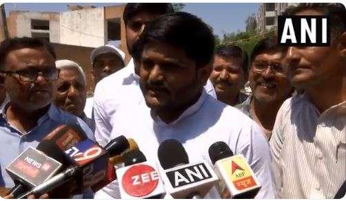 Hardik Patel after casting his vote in Viramgam