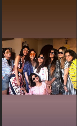 India Tv - Jennifer Winget spends time with her family and friends and wishes everyone Happy Easter