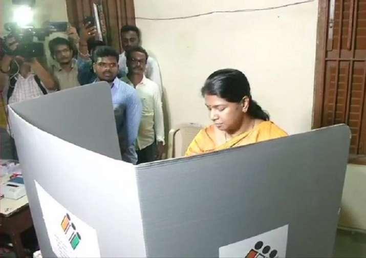 India Tv - DMK Lok Sabha candidate from Thoothukudi, Kanimozhi casts her vote at a polling station in Chennai's Alwarpet, says,
