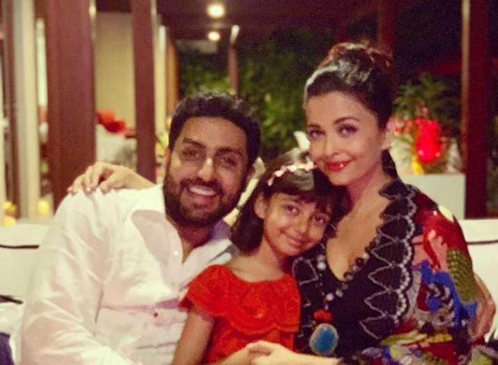 Aishwarya Rai Bachchan shares perfect family picture with Abhishek Bachchan and Aaradhya