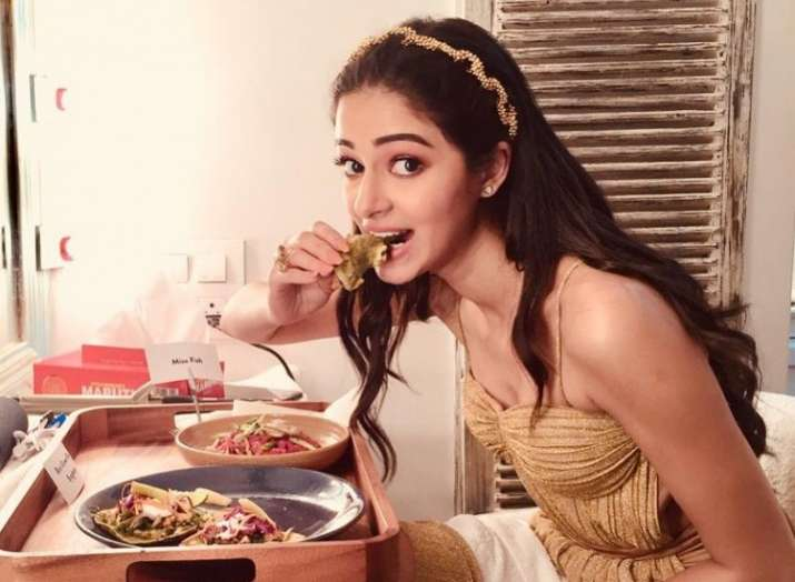 This BTS picture of Ananya Panday from The Jawaani Song is proof she is a big foodie!