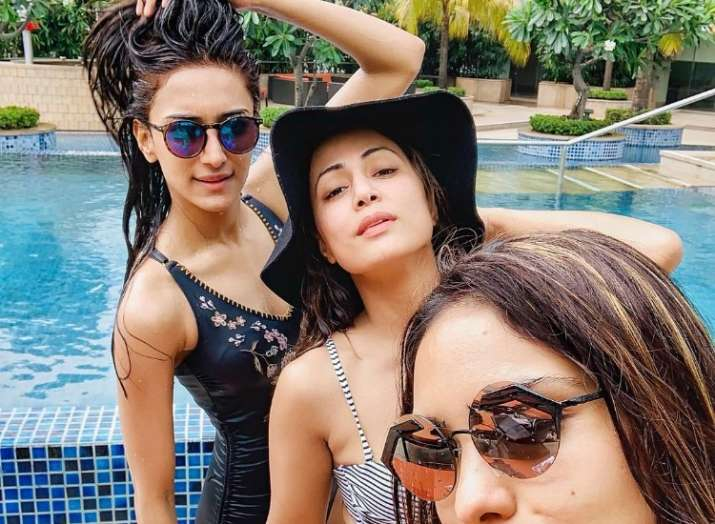 Hina Khan and Erica Fernandes are enjoying pool time in these latest pictures