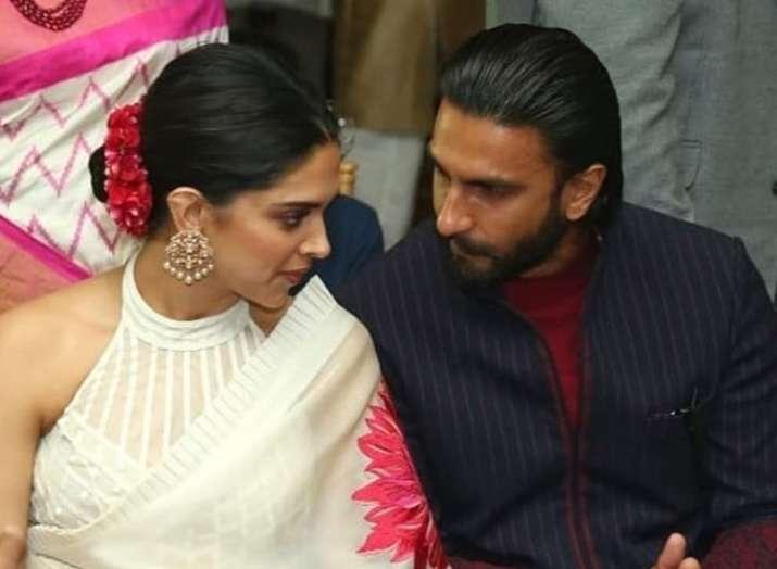 Ranveer Singh holding Deepika's sandals suggest his love for Deepika Padukone is limitless
