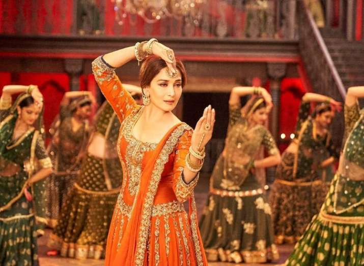 Kalank new song Tabaah Ho Gaye is out now