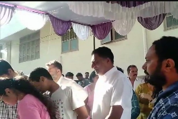 India Tv - Independent candidate from Bengaluru Central, Prakash Raj queues up at a polling booth, to cast his vote