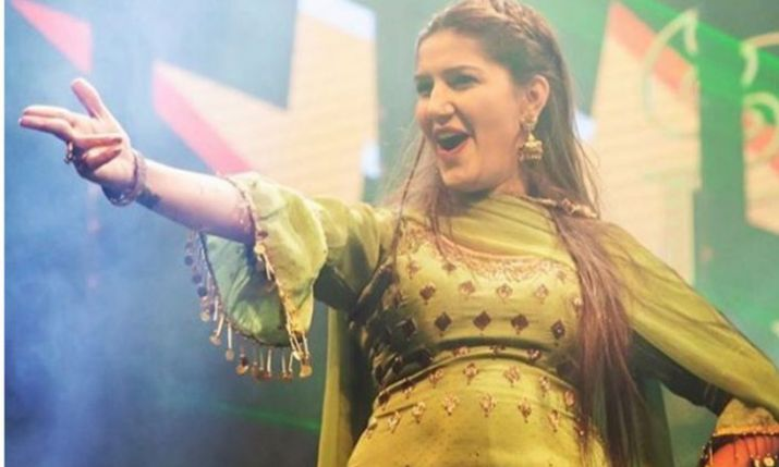 Sapna Choudhary LATEST Dance Video: Haryanvi dancer knows how to pull off Barati dance perfectly