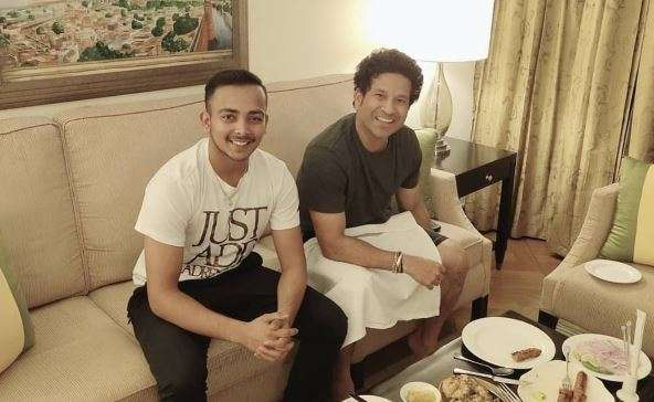 Prithvi Shaw delighted after dinner with Sachin Tendulkar