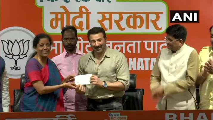 India Tv - Sunny Deol -- flanked by N Sitharaman and Piyush Goyal