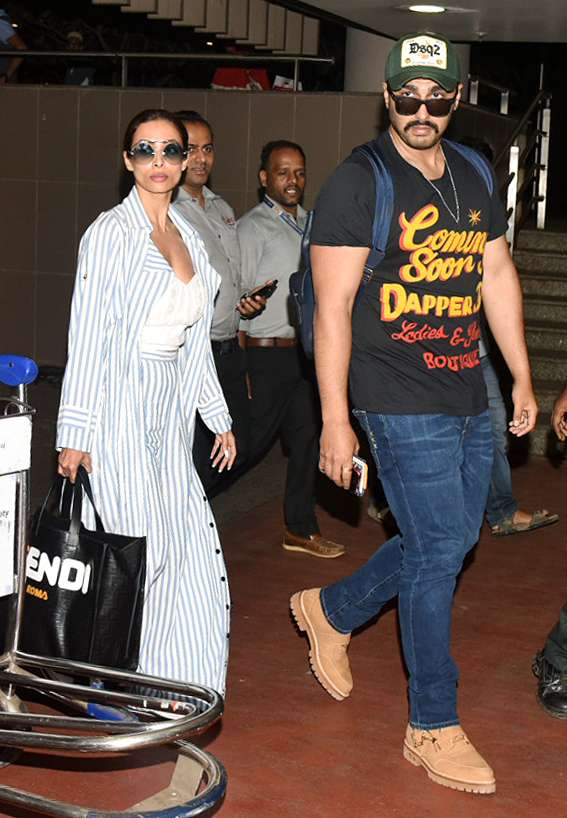 India Tv - Arjun Kapoor and girlfriend Malaika Arora