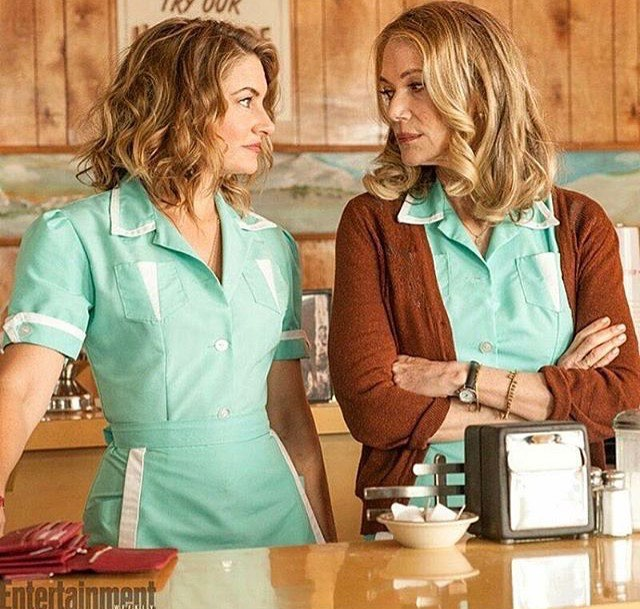 India Tv - Twin Peaks star Peggy Lipton dies at 72