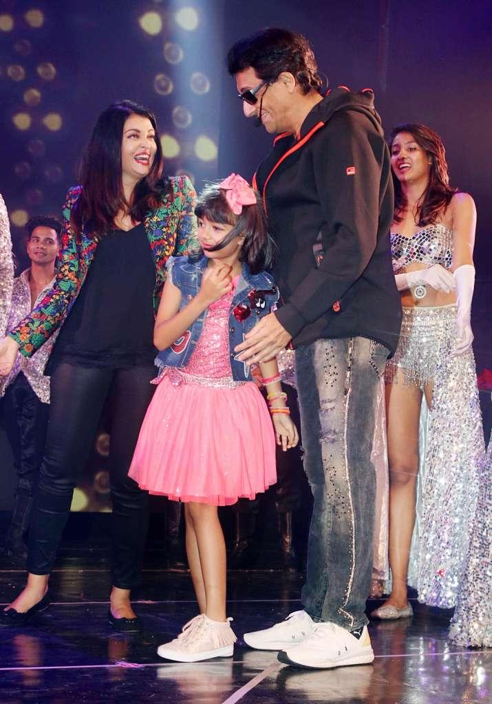 India Tv - Aaradhya Bachchan with Aishwarya Rai Bachchan and Shiamak Davar