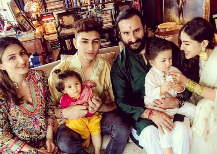 India Tv - Saif Ali Khan and with his family on the occasion of Rakshabandhan