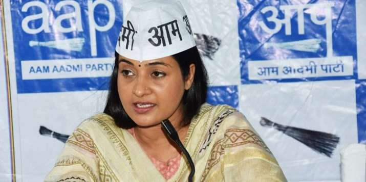 Rebel AAP MLA Alka Lamba to resign from party, to contest