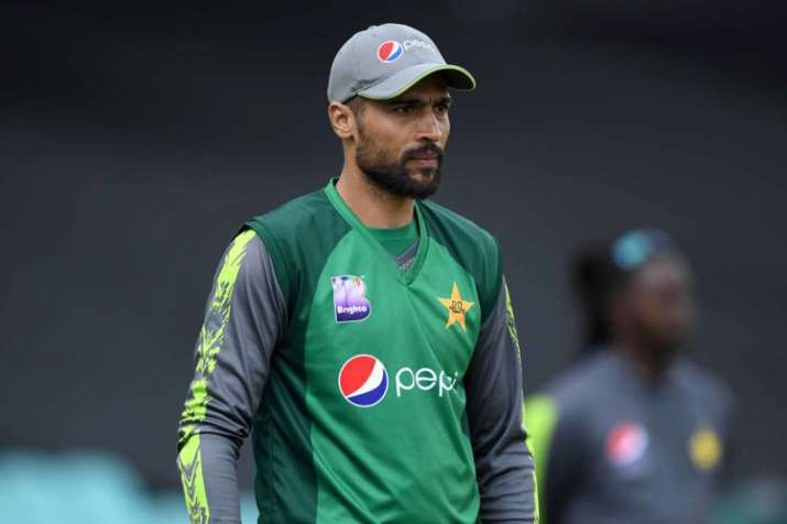 Mohammad Amir included in World Cup squad after Pakistan bowlers' thrashing in England
