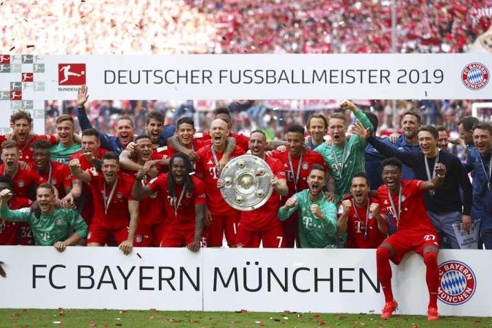 Bayern Munich record 7th straight Bundesliga title, Robben and Ribery score in final game