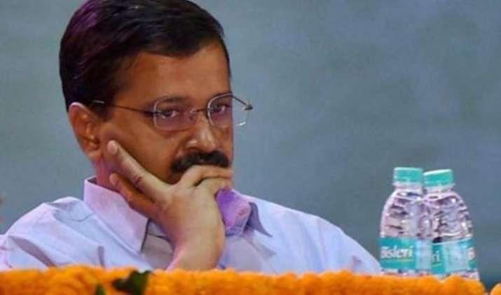Arvind Kejriwal serves legal notice to Gautam Gambhir