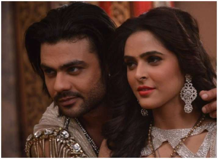 India Tv - Madhurima Tuli and Vishal Aditya Singh from Chandrakanta to be first ex-couple of Nach Baliye 9