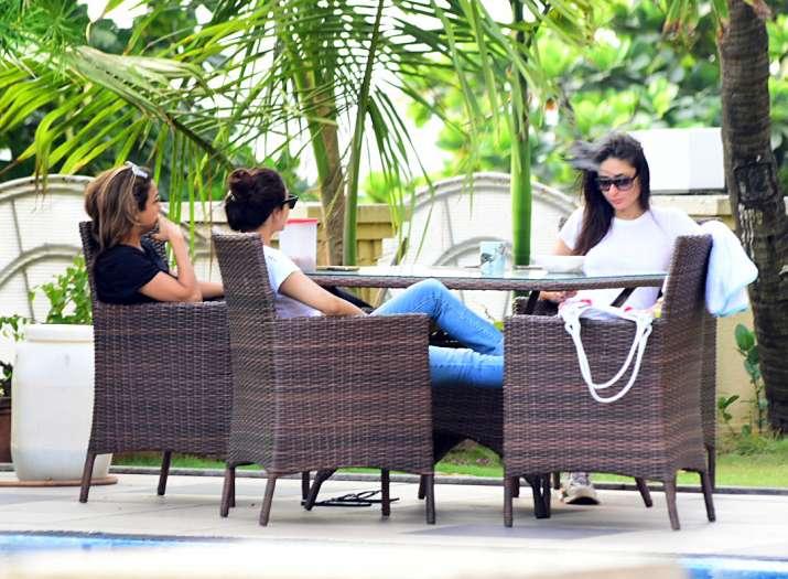 India Tv - Kareena Kapoor, Malaika Arora with Taimur and Inaaya