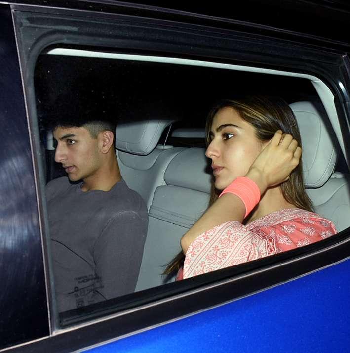 India Tv - Sara Ali Khan wore tradition attire as she comes to meet dad Saif Ali Khan.