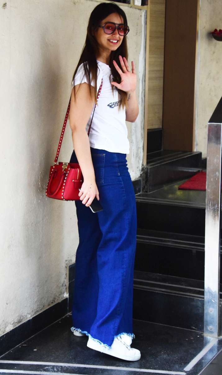 India Tv - Ileana D'Cruz gives us some perfect Summer fashion cues; Check LATEST pics in white tee and blue jeans
