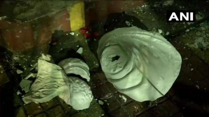 India Tv - Image of the vandalised statue
