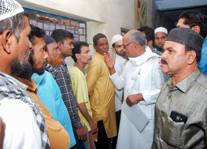 Congress candidate for Bhopal seat Digvijay Singh interacts