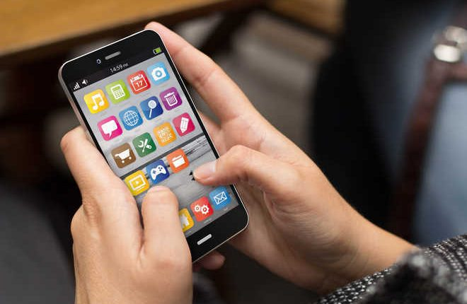 Phone use limit can reverse sleep problems in a week, says