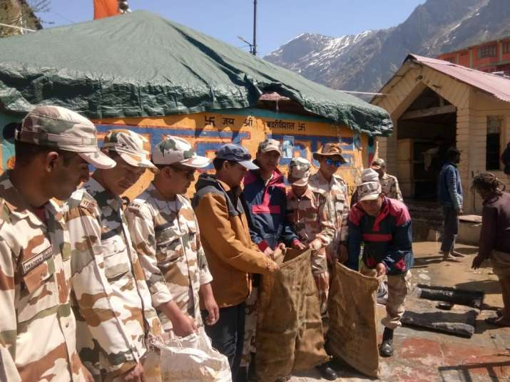ITBP jawans clean Badrinath temple