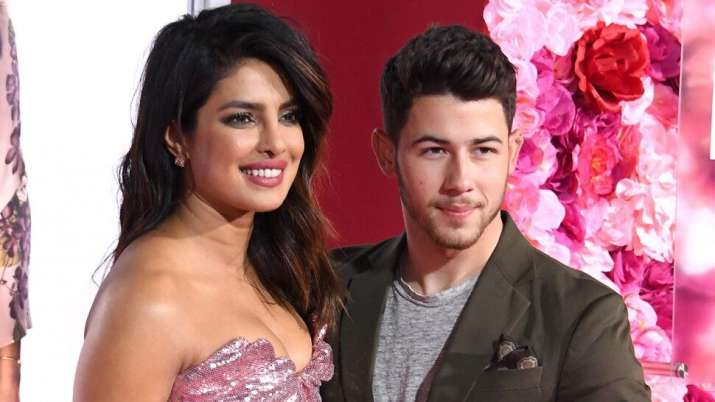 Nick Jonas shares picture of his 'hot date' Priyanka Chopra