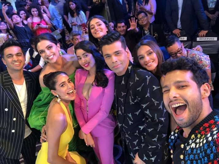 India Tv - What's better than a glamorous selfie!