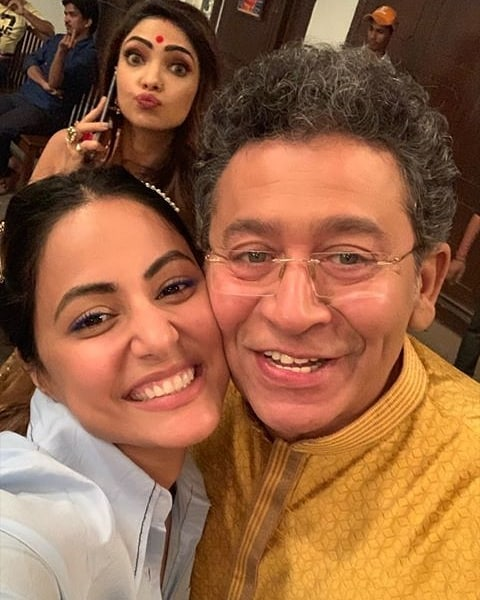 India Tv - Hina Khan reunites with star cast on Kasautii Zindagii Kay 2 sets