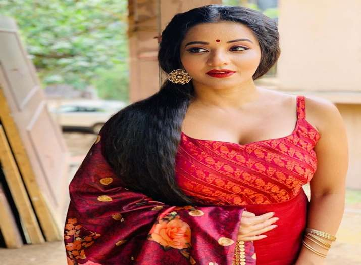 Bhojpuri actress Monalisa dances her heart out in latest Instagram video