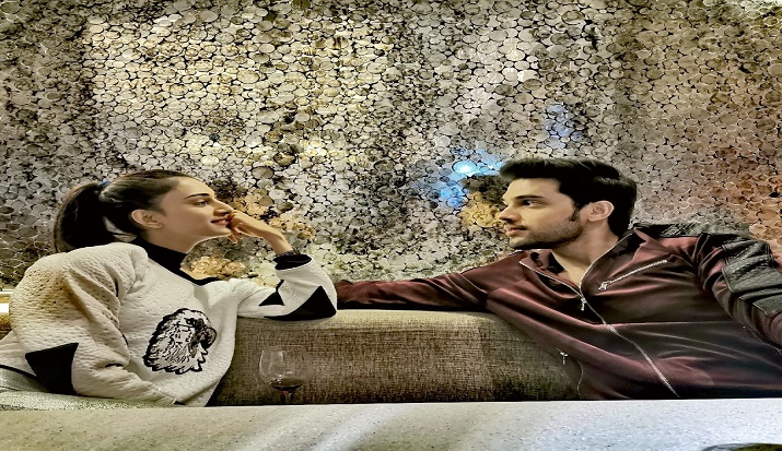 Kasautii Zindagii Kay 2: Erica Fernandes and Parth Samthaan can't take their eyes off each other in