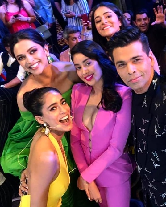 India Tv - Karan Johar, Ananya Panday, Janhvi Kapoor and Deepika Padukone's selfie
