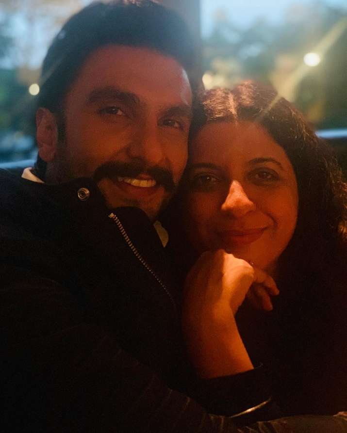 India Tv - Karan Johar takes us back to Gully Boy days with Ranveer Singh and Zoya Akhtar's selfie