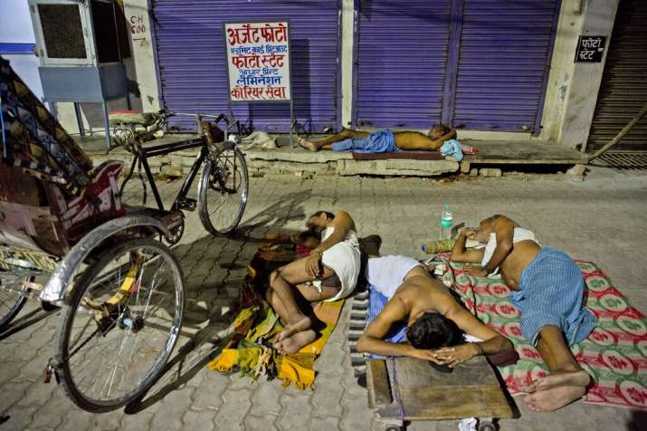 North India continues to reel under intense heat wave