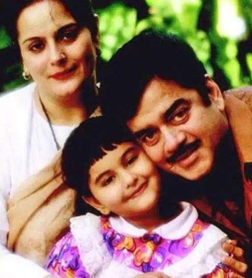 India Tv - Happy Birthday Sonakshi Sinha