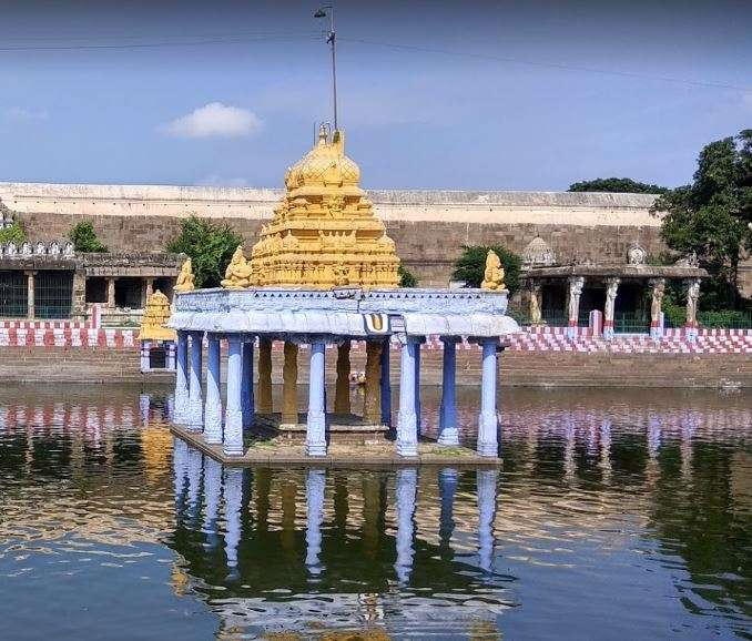India Tv - Lord Athithi Varadar emerges from under water after 40 years, Kanchipuram temple to open for devotees from July 1